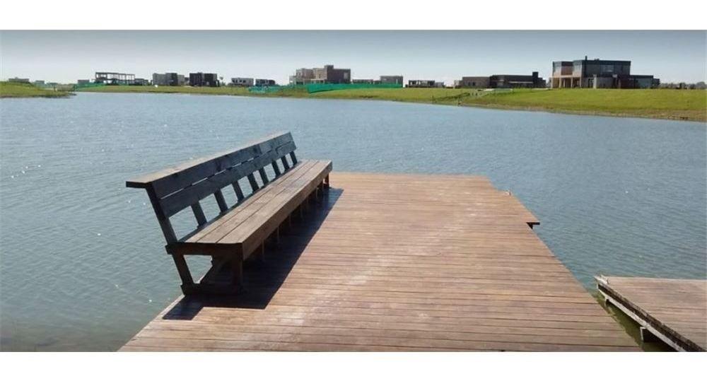 lote ubicado en el area 7. nº 54. sobre la laguna.