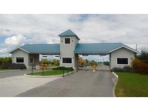 lote venta en barrio privado laguna azul pro143