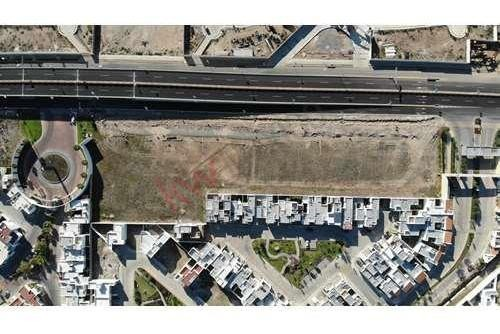lotes comerciales en venta afuera de alto lago residencial $6,675,000.00 descuento al pago de contado