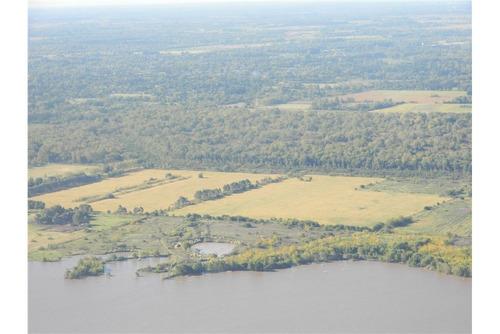 lotes de 4100 m2 en  chacras del lago