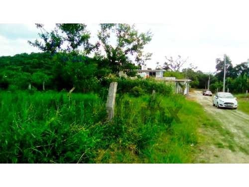lotes venta 200 m² coatzintla poza rica veracruz, son 3 lotes en venta los cuales se encuentran ubicado en la calle los pinos de la colonia kawatzin, los lotes son los numero 21, 23 y 25, cada uno cu
