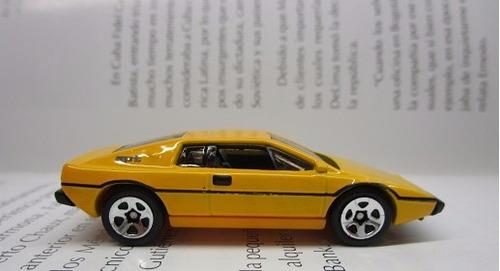 lotus esprit  escala 1/64 coleccion hot wheels 7cm largo