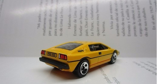 lotus esprit  escala 1/64 coleccion hot wheels h51