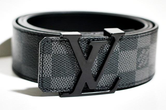 Cinturon Y Billetera Hombre Louis Vuitton 40 % Descuento. -   1.640 ... 4d8ce37aaa8e