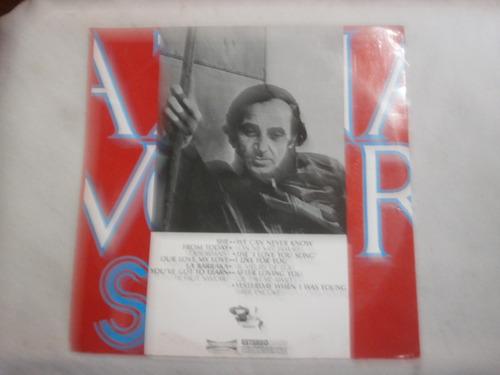 lp charles aznavour - she, disco de vinil ano 1974, seminovo