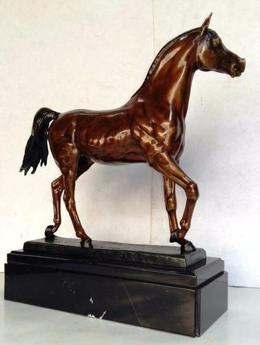 lrc caballo posando, precioso! hecho de bronce.