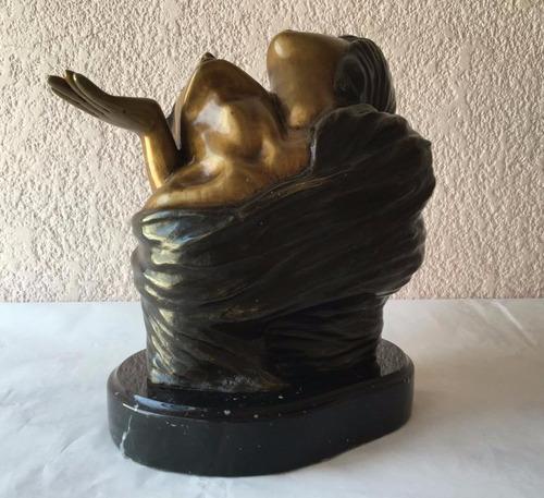 lrc pareja  bienvenido  escultura de bronce c/base mármol