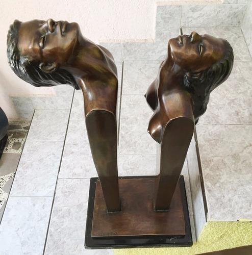 lrc pareja  silueta,  escultura de bronce c/base mármol.