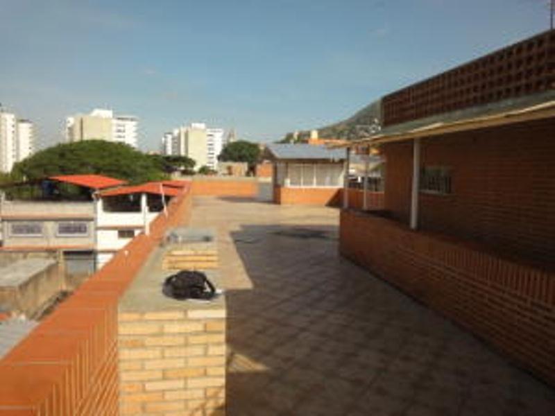 ls vende edificio parroquia altagracia 20-12031