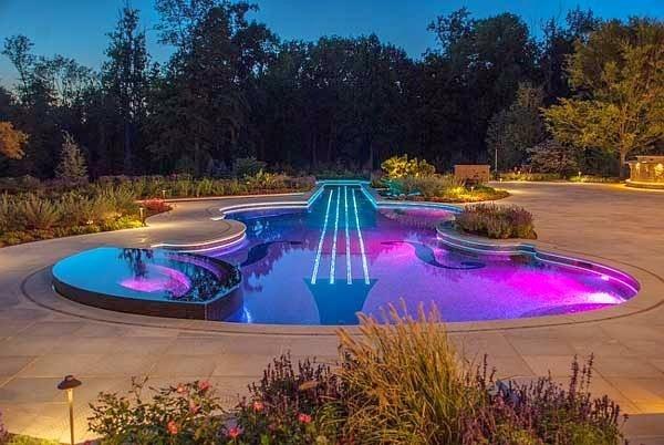 Resultado de imagen para luces de la piscina que cambian de color