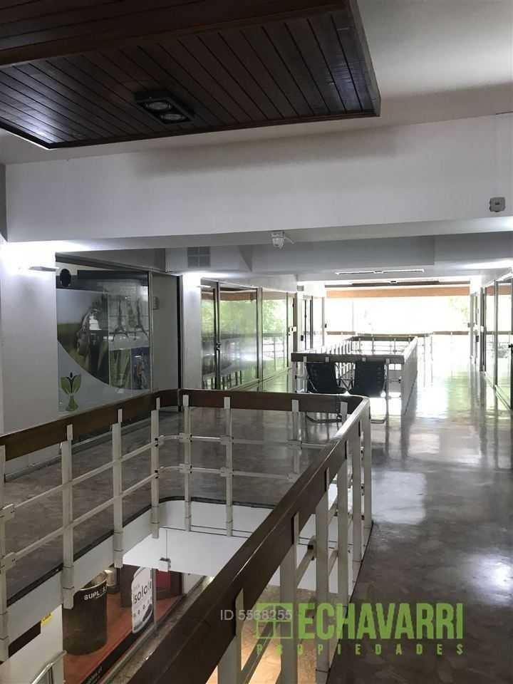 luis thayer ojeda / costanera center