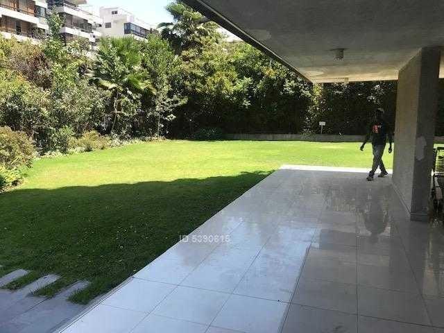 luis thayer ojeda / eliodoro yañez ( plaza las lilas)