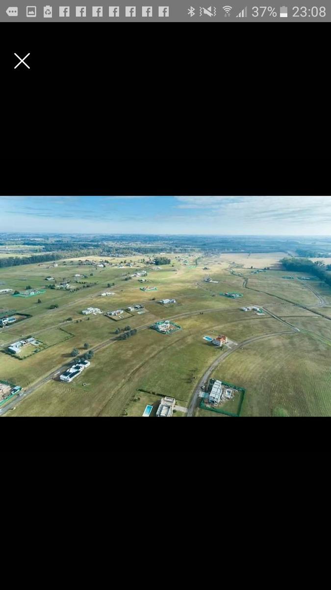 luján lote en club de campo 2.000metros cuadrados