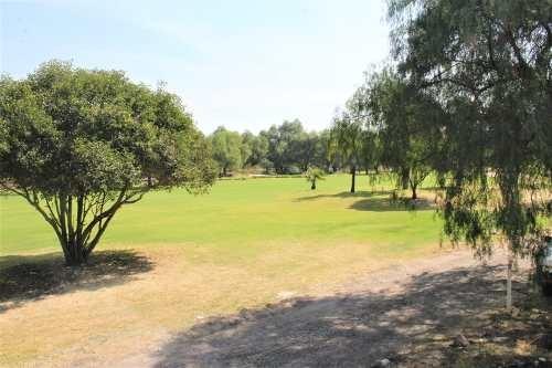 lujosa residencia con vista al fairway en balvanera golf & p