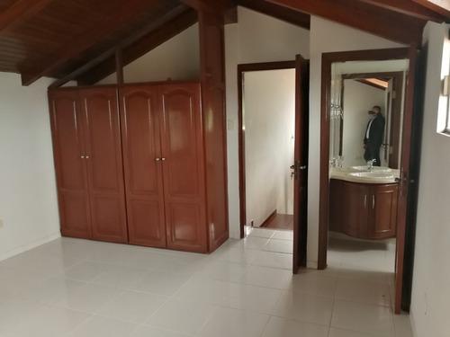 ¡lujosa residencia en venta!