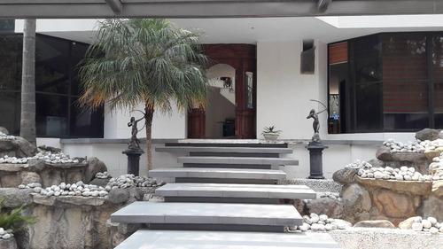 lujosa residencia, fraccionamiento moderno