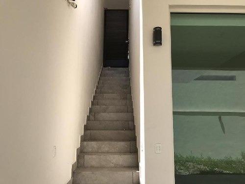 lujosa y hermosa residencia en venta cumbres 5to sector
