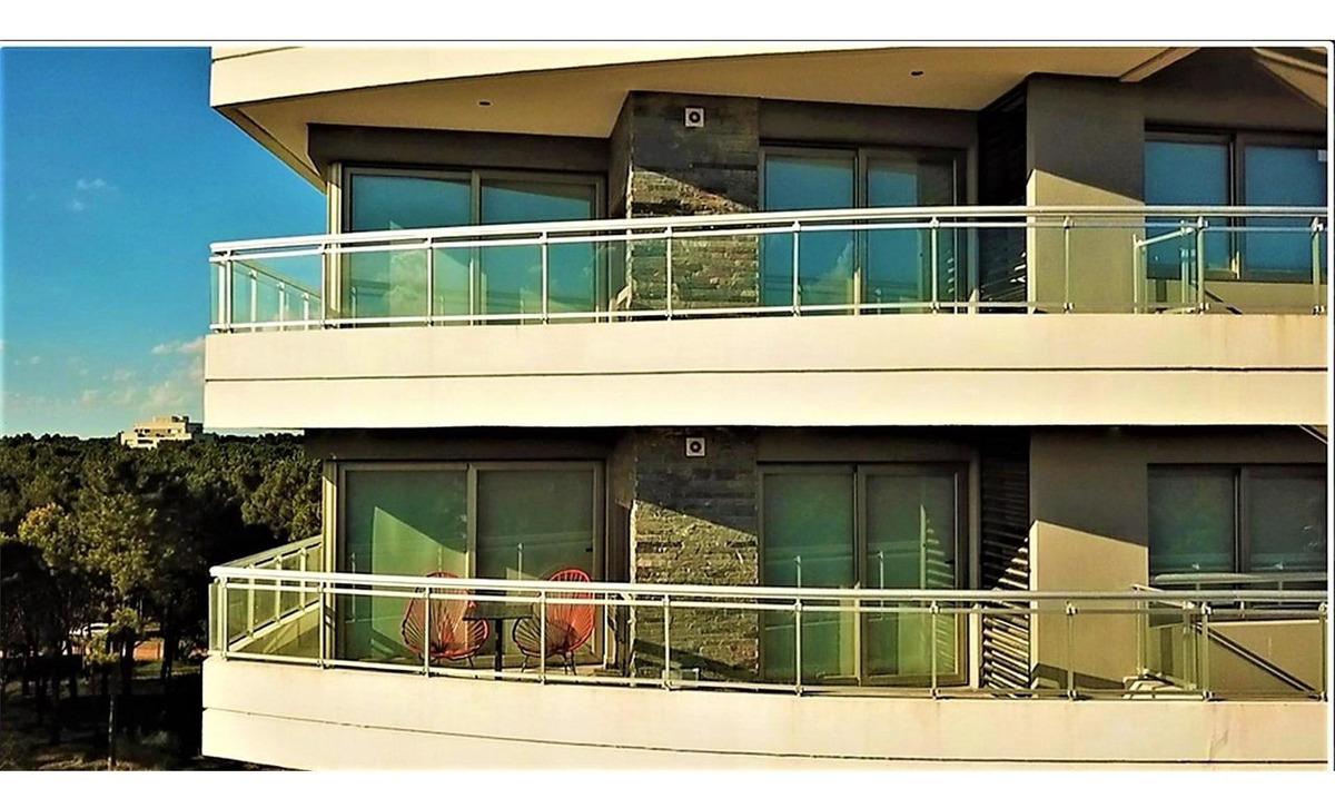 lujoso departamento de 3 ambientes con balcón a estrenar