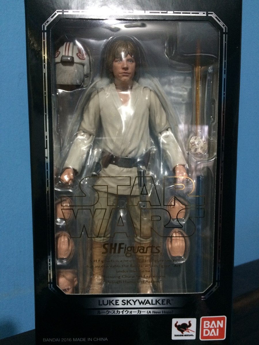 Luke skywalker episode iv figuarts bandai starwars cargando zoom jpg  900x1200 Bandai luke skywalker 20d1df27c1e