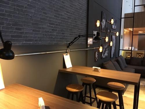 luminária de mesa e parede articulada branco 1 lâmp.e27