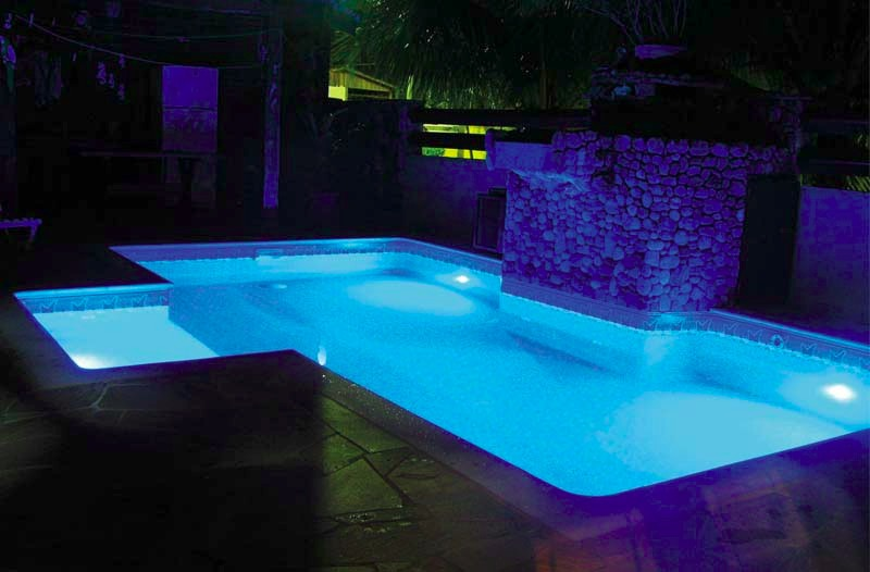 Lumin ria de piscina de led rgb 9w r 350 00 em mercado for Luminarias para piscinas