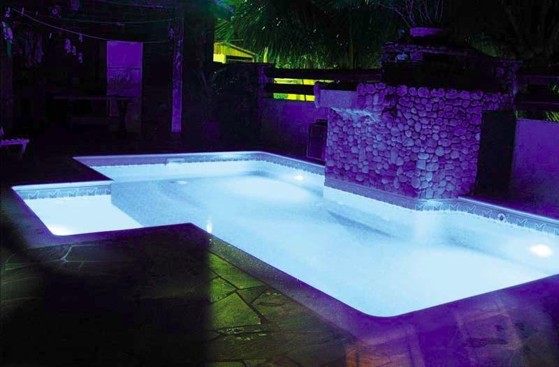 Lumin ria de piscina de led rgb 9w r 350 00 em mercado for Led para piscinas