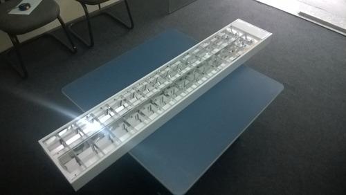 luminária de sobrepor 2x32w
