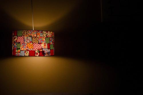 luminária pendente cilíndrico de retalhos