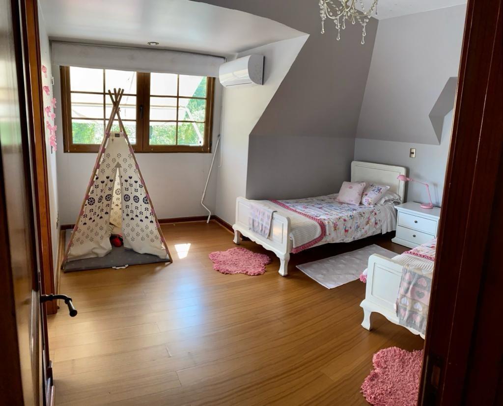 luminosa casa en condominio barrio los trapenses