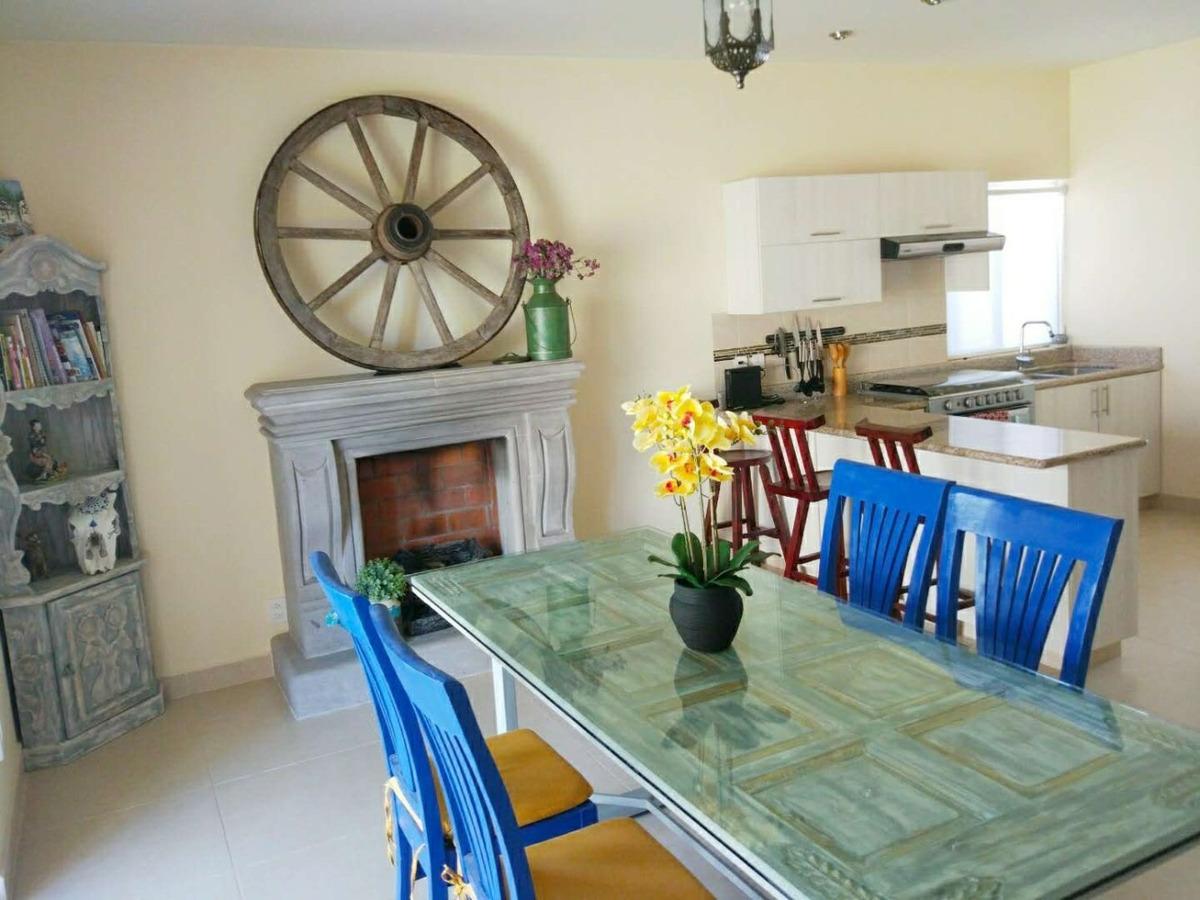 luminosa casa familiar de 3 recamaras con amplio jardin