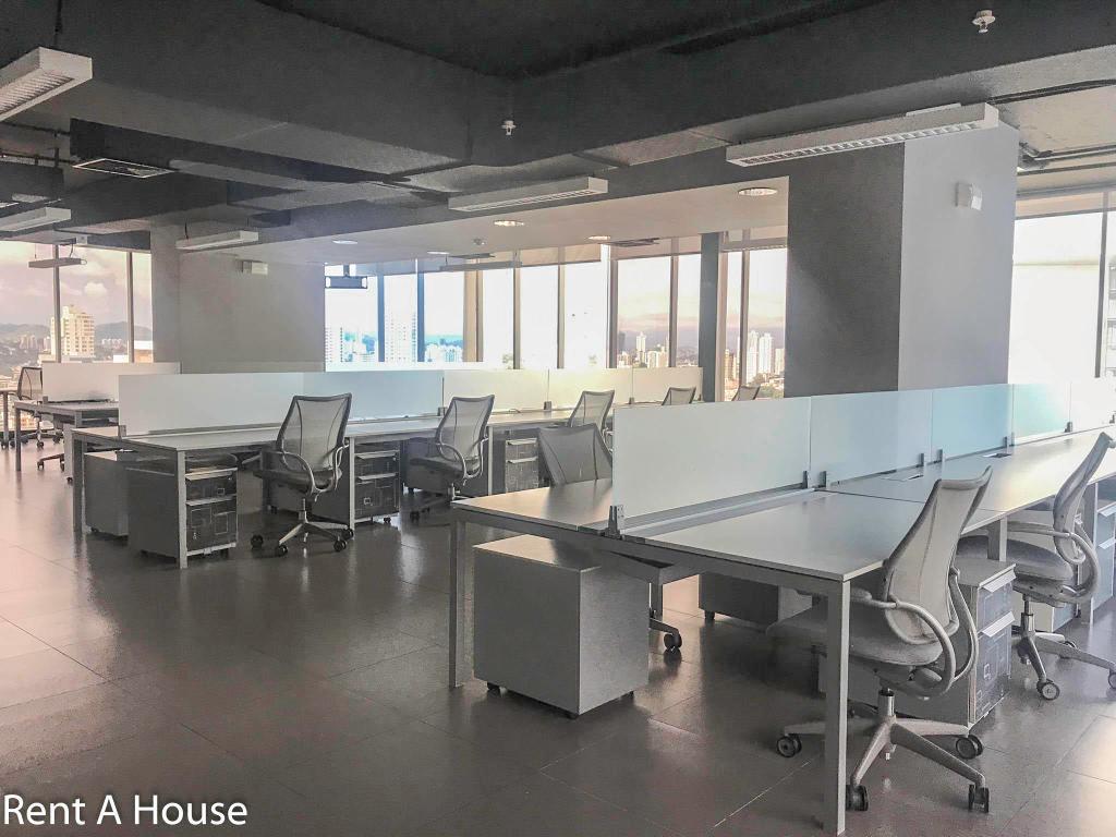 luminosa oficina en venta en obarrio panama