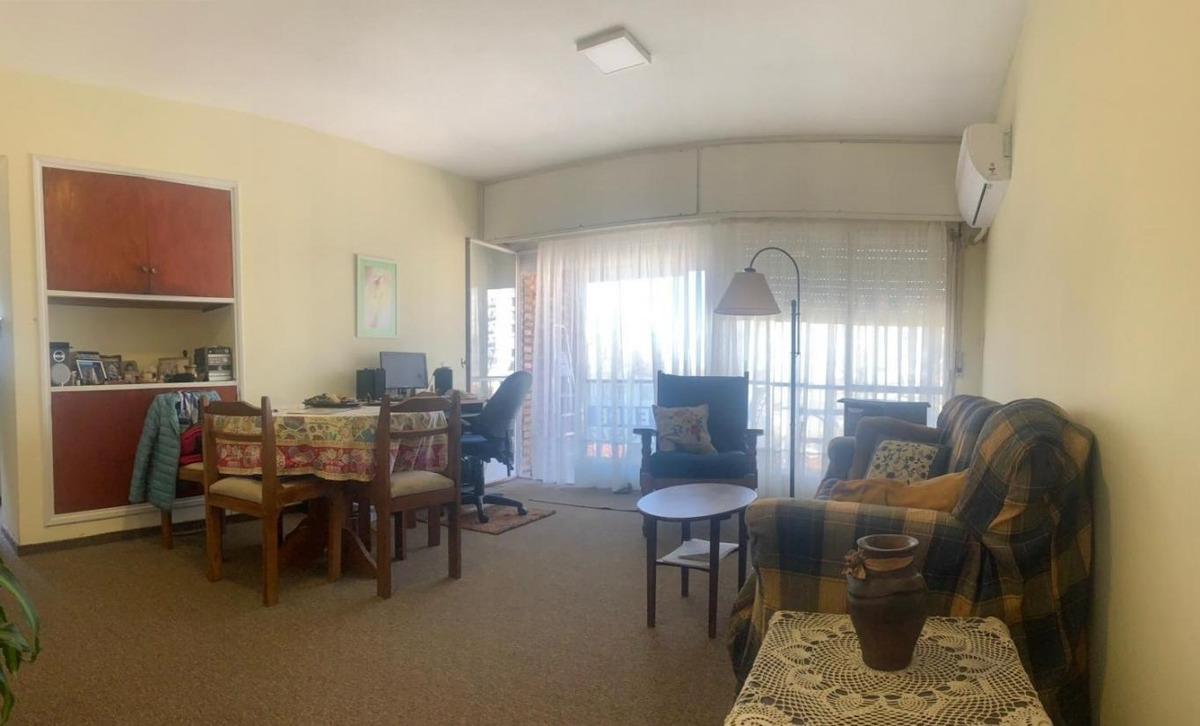 luminoso apartamento en malvín | venta