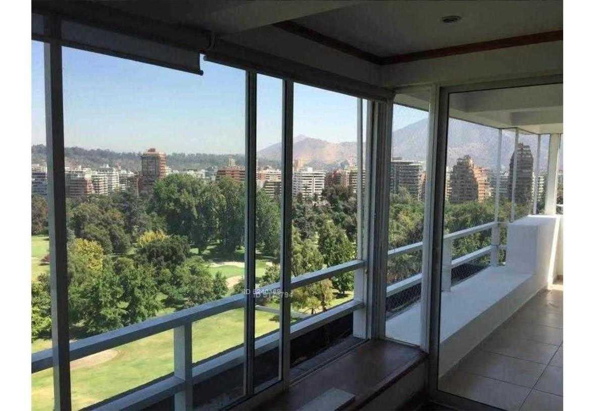 luminoso penthouse con excelentes vistas del club de golf los leones
