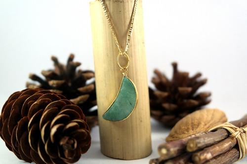 luna de cuarzo verde con collar piedra semipreciosa
