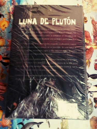 luna de pluton.by dross