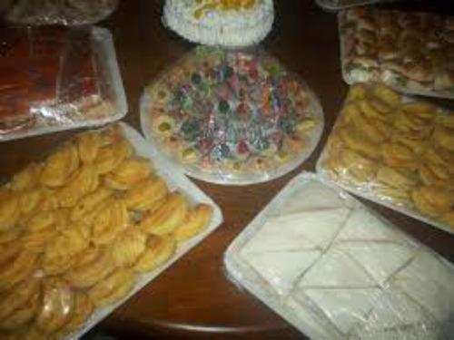 lunch 30 adultos + 15 chicos con torta decorada + regalo