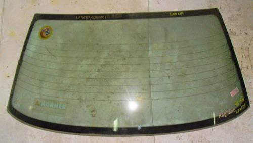 luneta trasera mitsubishi lancer año 1993-1996