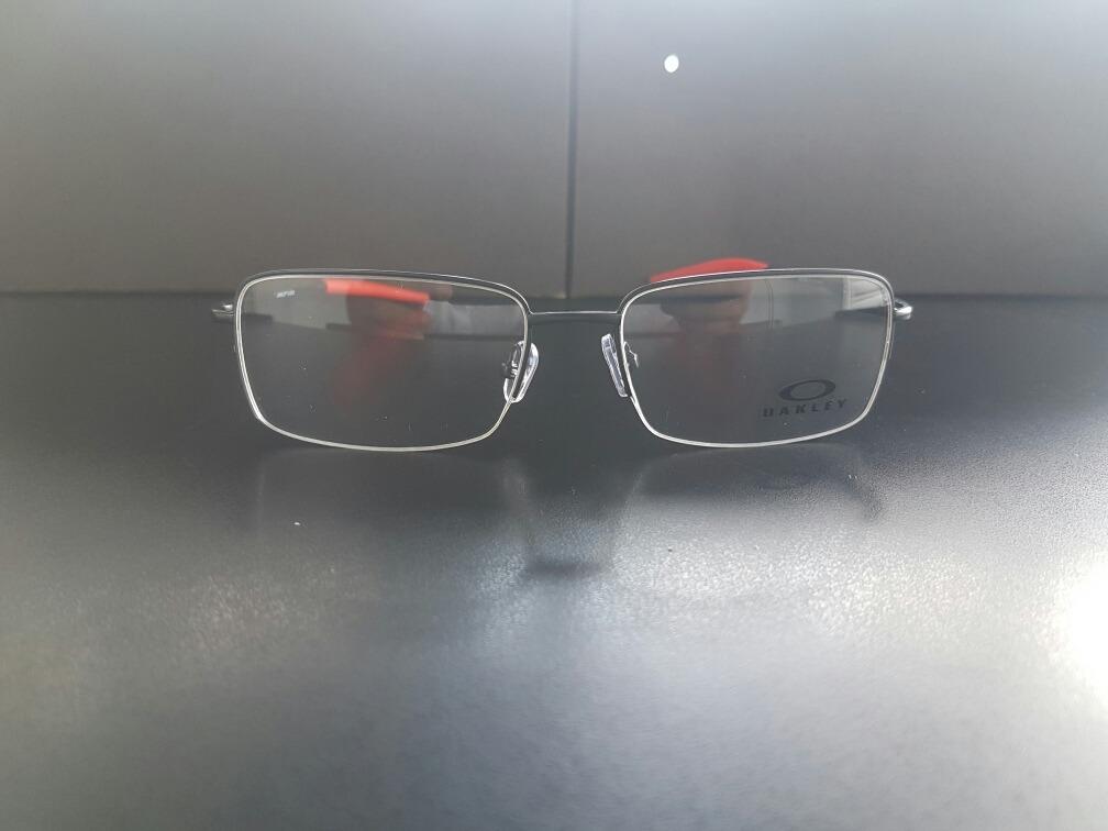 de73699b559cb Lupinha Oakley Descanso Oakley Armação Grau 0° - R  89,99 em Mercado ...