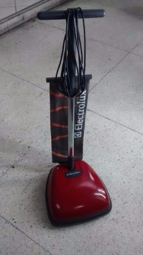 lustradora y aspiradora electrolux roja seminueva remato