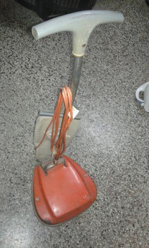lustraspiradora yelmo, funcionando. vym electrónica.