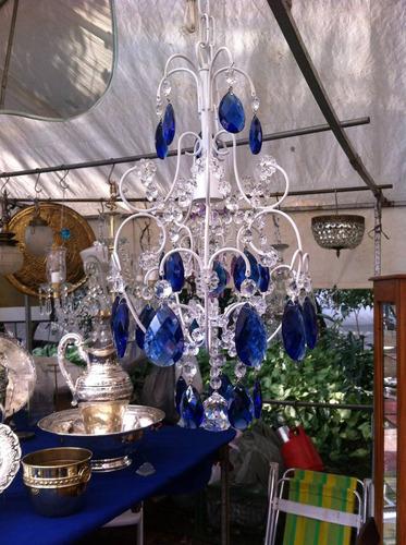 lustre de cristal azul com pintura eletrostática branca