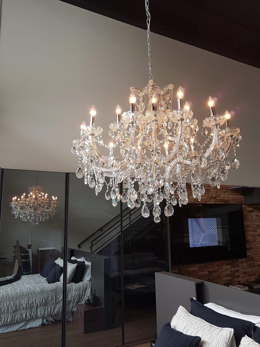 Lustre Grande De Cristal Escada Sala Mesa De Janta 18 Bracos R$ 4 999,00 em Mercado Livre