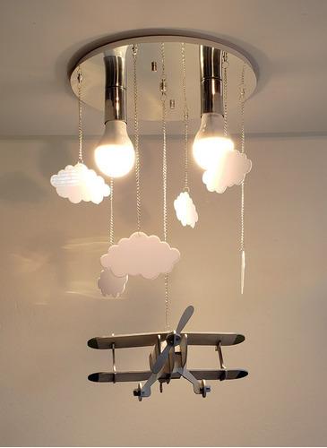 lustre infantil avião com nuvens