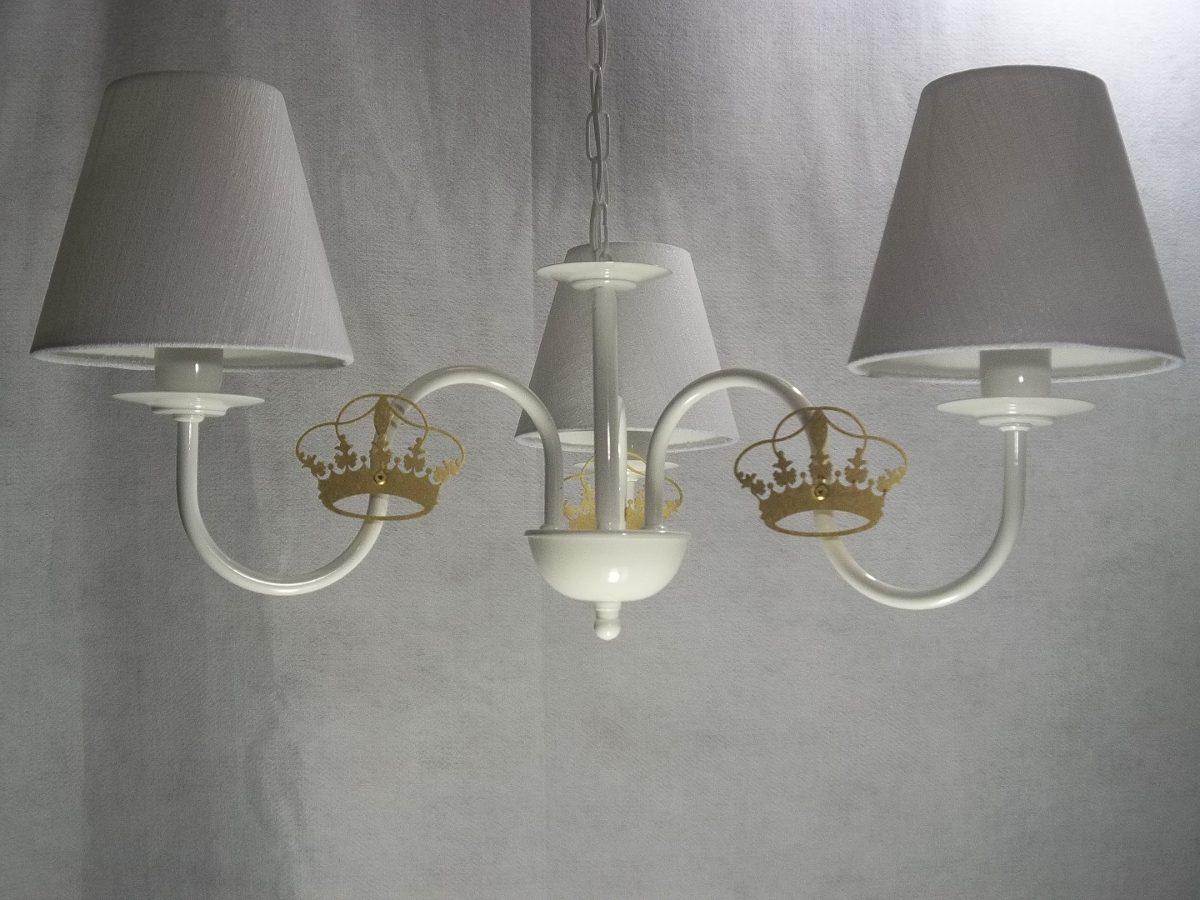lustre lumin ria com coroa dourado para quarto beb menina. Black Bedroom Furniture Sets. Home Design Ideas