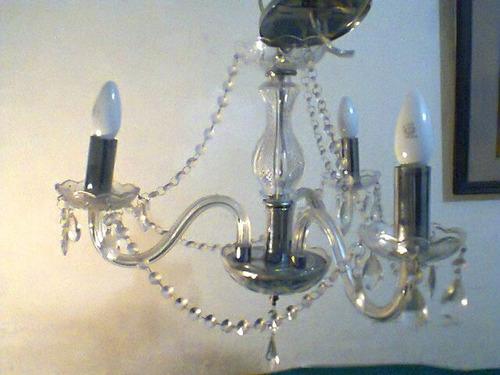 lustre tres braços vidro e pingentes