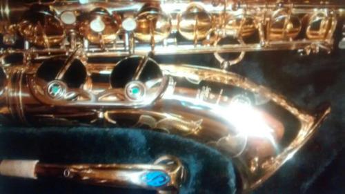 luthier de vientos,reparación de saxo (todos los saxofones)