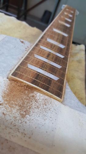luthier larrosa calibración, reparación guitarras, bajos