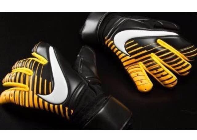 8243f4663f Luva Goleiro Nike Profi 5mm Sgt - R  288