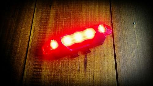 luz led bicicleta recargable roja,blanca o azul 70 lumens un
