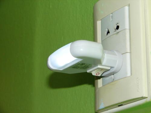 luz led de noche spot lampara aplique velador 220v ecologica